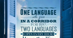 "Aprenda inglês com citações: ""One language sets you in a corridor for life. Two languages open every door along the way."" - Frank Smith"