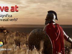 Have At   O que significa este phrasal verb?